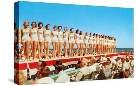 Fifties Beauty Contest--Stretched Canvas Print