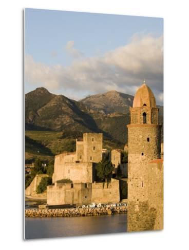 Morning Light, Eglise Notre-Dame-Des-Anges, Collioure, Pyrenees-Orientales, Languedoc, France-Martin Child-Metal Print