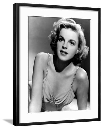 Judy Garland in the Early 1940s--Framed Art Print