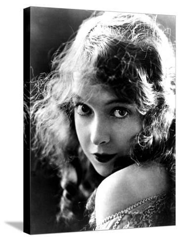 Lillian Gish, Late Teens--Stretched Canvas Print