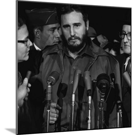 Fidel Castro Arrives Mats Terminal, Washington D.C.-Warren K^ Leffler-Mounted Photo