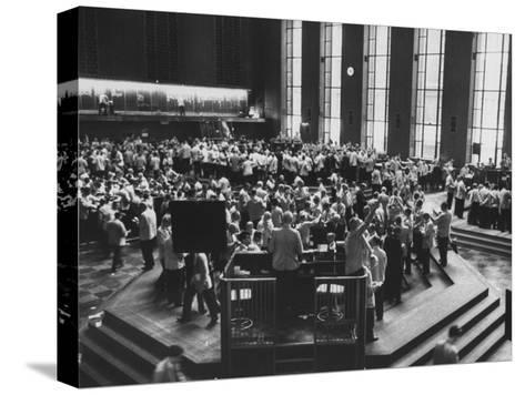 Chicago Board of Trade, as Proposed Wheat Sale to Russia Sends Prices Soaring-Robert W^ Kelley-Stretched Canvas Print