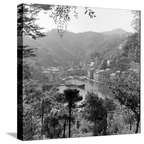 Italy-Alfred Eisenstaedt-Stretched Canvas Print