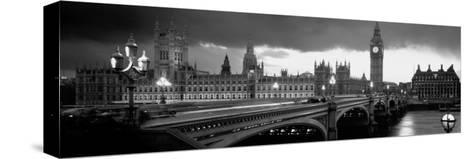 London-Jerry Driendl-Stretched Canvas Print
