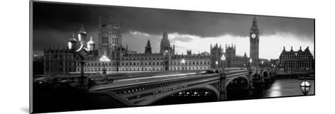 London-Jerry Driendl-Mounted Photographic Print