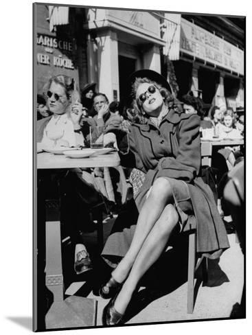 People Sitting at the Sunlight Sidewalk Cafe--Mounted Photographic Print