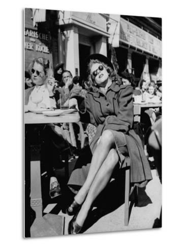 People Sitting at the Sunlight Sidewalk Cafe--Metal Print