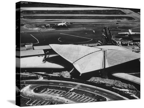 The Twa Terminal, Designed by Eero Saarinen-Dmitri Kessel-Stretched Canvas Print