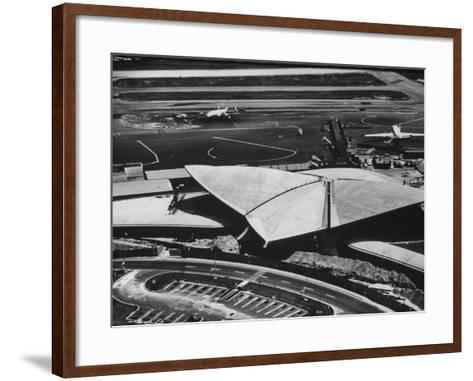 The Twa Terminal, Designed by Eero Saarinen-Dmitri Kessel-Framed Art Print