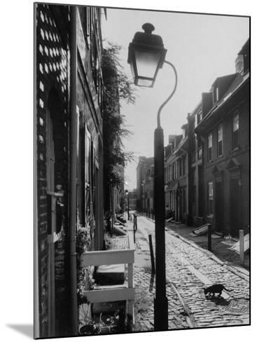 Old Fashioned Street Light in Elfreth's Alley-Andreas Feininger-Mounted Photographic Print