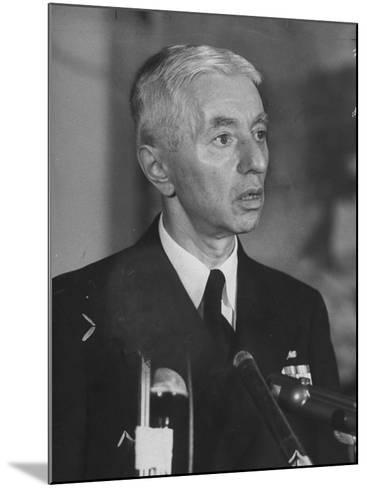 Hyman Rickover Speaking at a Press Conference-Peter Stackpole-Mounted Photographic Print