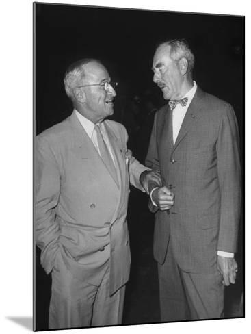 Pres. Harry S. Truman Talking to Dean Acheson--Mounted Photographic Print