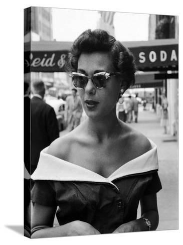 Attractive Young Woman in Manhattan-Lisa Larsen-Stretched Canvas Print