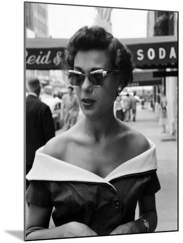Attractive Young Woman in Manhattan-Lisa Larsen-Mounted Photographic Print