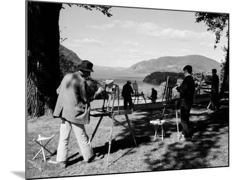 Amatuer Artists Painting Hudson River Landscape Scene-Alfred Eisenstaedt-Mounted Photographic Print