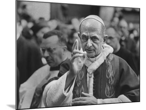 Pope Paul Vi, Officiating at Ash Wednesday Service in Santa Sabina Church-Carlo Bavagnoli-Mounted Photographic Print