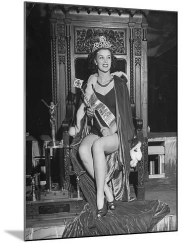 Atlantic City Beauty Contest Winner Venus Ramey-Peter Stackpole-Mounted Photographic Print