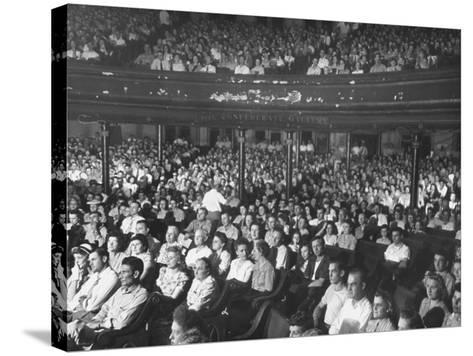 The Audience at the Grand Ole Opry-Ed Clark-Stretched Canvas Print