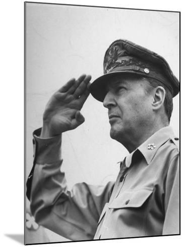 General Douglas Macarthur Saluting During the July 4 Allied Military Government Parade--Mounted Photographic Print