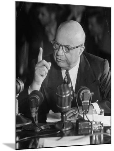 Henry J. Kaiser Testifying at the Howard Hughes Trial--Mounted Photographic Print