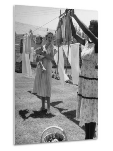 Woman Hanging the Laundry Out to Dry-Nina Leen-Metal Print