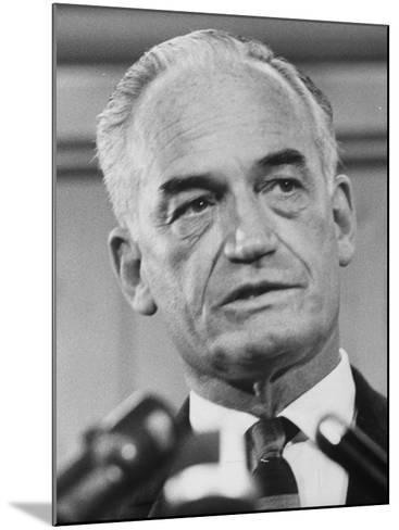 Sen. Barry Goldwater Campaigning for Gop Presidential Nomination at the Illinois State Convention--Mounted Photographic Print