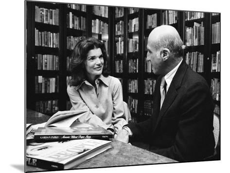 Jacqueline Kennedy Onassis and Boss Thomas H. Guinzburg at Viking Press-Alfred Eisenstaedt-Mounted Premium Photographic Print