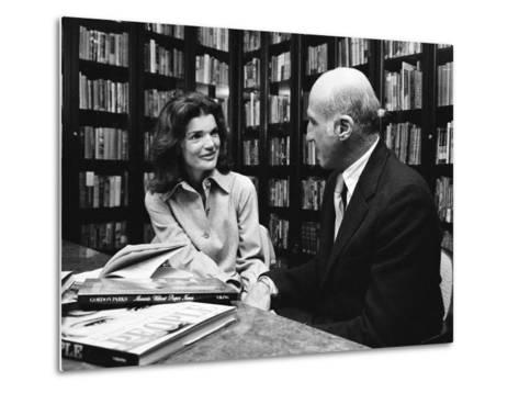 Jacqueline Kennedy Onassis and Boss Thomas H. Guinzburg at Viking Press-Alfred Eisenstaedt-Metal Print