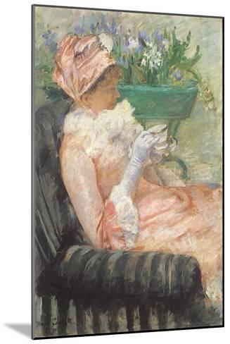 Sipping Tea on Loveseat, 1879-Mary Cassatt-Mounted Giclee Print