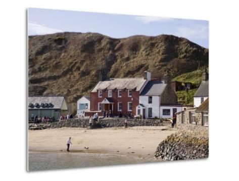 Ty Coch Inn on Beach at Porth Dinllaen Village in Bay on Lleyn Peninsula, North Wales, UK-Pearl Bucknall-Metal Print