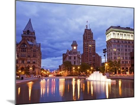 Clinton Square, Syracuse, New York State, United States of America, North America-Richard Cummins-Mounted Photographic Print