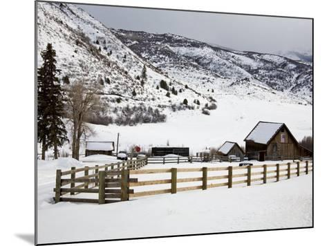 Barn Near Snowmass Village, Aspen Region, Rocky Mountains, Colorado, USA-Richard Cummins-Mounted Photographic Print