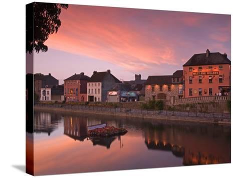 John's Quay and River Nore, Kilkenny City, County Kilkenny, Leinster, Republic of Ireland, Europe-Richard Cummins-Stretched Canvas Print
