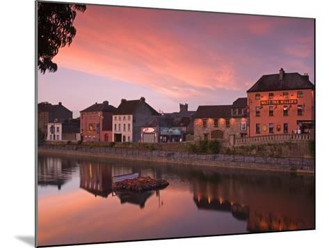 John's Quay and River Nore, Kilkenny City, County Kilkenny, Leinster, Republic of Ireland, Europe-Richard Cummins-Mounted Photographic Print