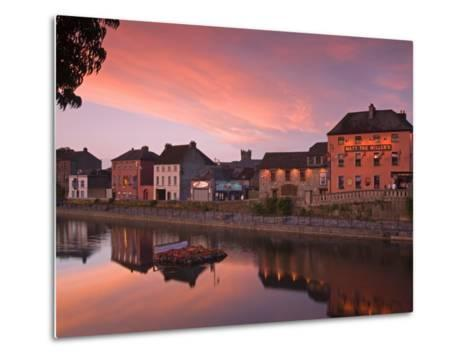 John's Quay and River Nore, Kilkenny City, County Kilkenny, Leinster, Republic of Ireland, Europe-Richard Cummins-Metal Print