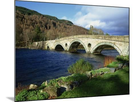 Bridges, Kenmore, Loch Tay, Scotland, United Kingdom, Europe-Ethel Davies-Mounted Photographic Print