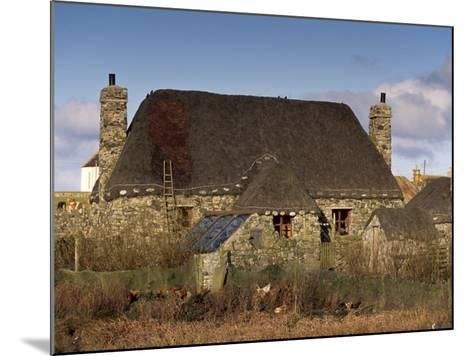 Thatched House, Howmore, South Uist, Outer Hebrides, Scotland, United Kingdom, Europe-Patrick Dieudonne-Mounted Photographic Print