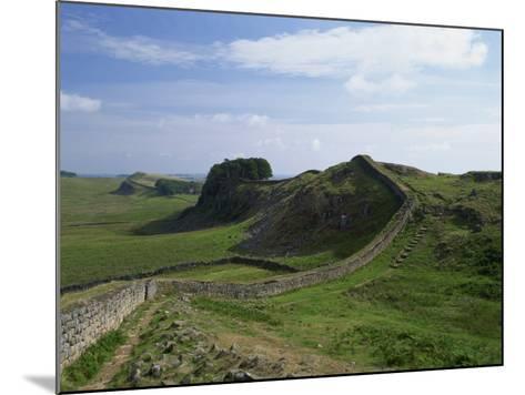 Hadrian's Wall, UNESCO World Heritage Site, Northumberland, England, United Kingdom, Europe--Mounted Photographic Print