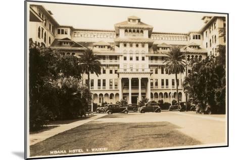 Moana Hotel, Waikiki, Hawaii--Mounted Art Print