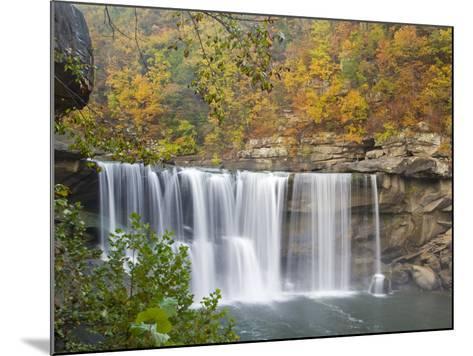 Cumberland Falls State Park near Corbin, Kentucky, USA-Chuck Haney-Mounted Photographic Print