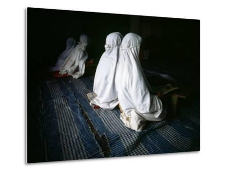 Young Muslim Girls Covered Head to Toe in Traditional Muslim Clothing-xPacifica-Metal Print