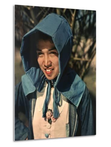 Mexican Field Worker Wears Large Sun Bonnet as a Sunshield-B^ Anthony Stewart-Metal Print