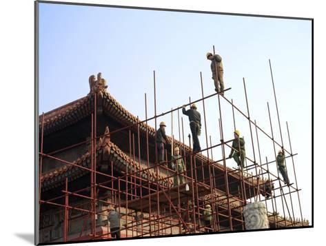 Workers Climb Scaffolding on the Palace Roof in the Forbidden City-xPacifica-Mounted Photographic Print