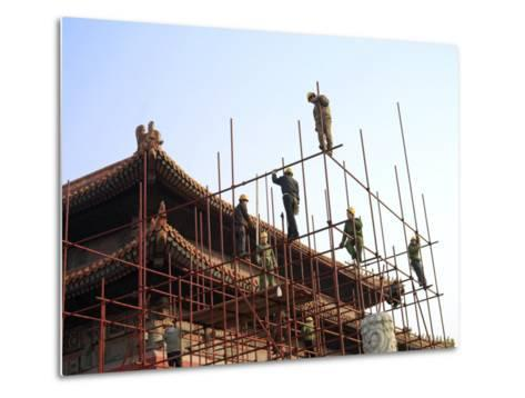 Workers Climb Scaffolding on the Palace Roof in the Forbidden City-xPacifica-Metal Print