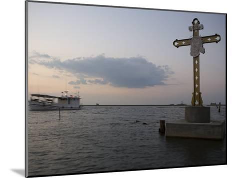 Cross Commemorating Victims of Hurricane Katrina-Tyrone Turner-Mounted Photographic Print