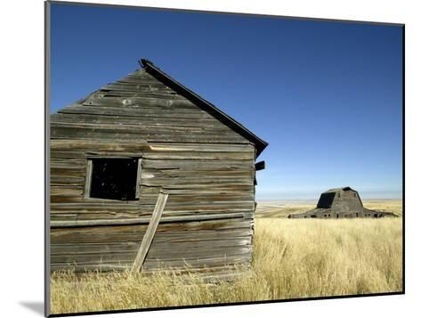 Abandoned Farmstead in Southern Alberta-Pete Ryan-Mounted Photographic Print