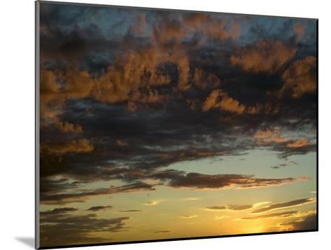 Sunset Prairie Skies over the Big Muddy Badlands-Pete Ryan-Mounted Photographic Print