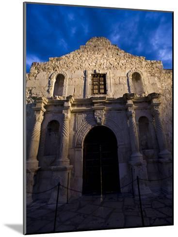Front Facade of the Alamo-Richard Nowitz-Mounted Photographic Print