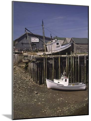 Low Tide at Halls Harbor in the Bay of Fundy-Michael Melford-Mounted Photographic Print