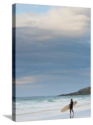 England, Cornwall, Newquay, Fistral Beach, Surfers, UK-Alan Copson-Stretched Canvas Print